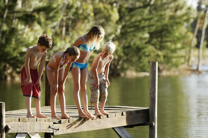 Children on a pier - link to Environment and Health