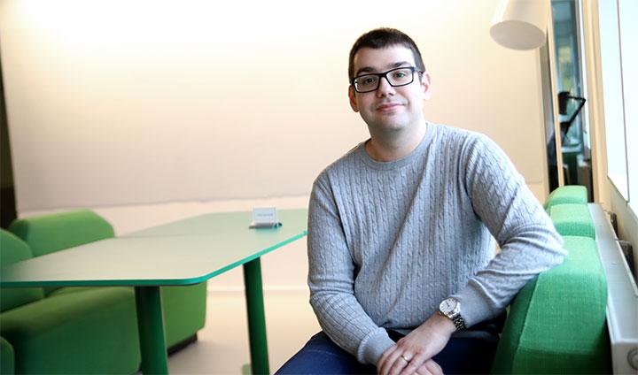 Bilder visar doktoranden Antonios Tsertsidis på Örebro universitet.