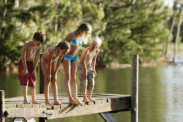 Children on a pier.