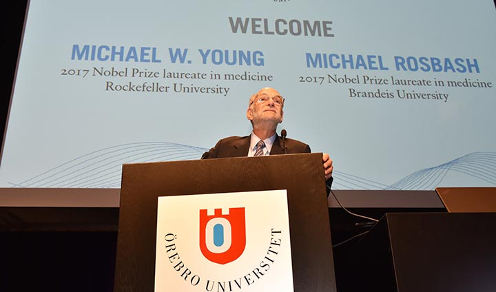 Michael Rosbash give a presentation.