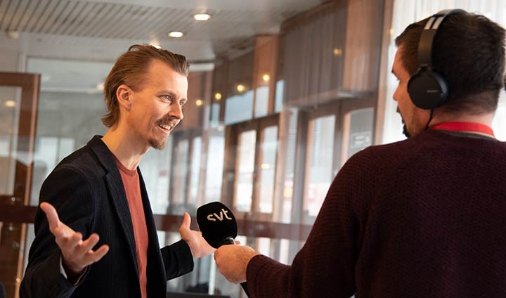 Paul Svensson intervjuad av tv